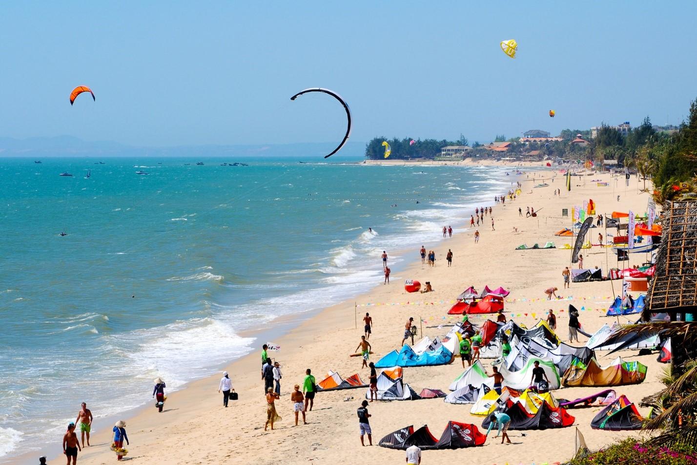 Những vùng biển nhiệt đới xinh đẹp, khí hậu ôn hòa như Phan Thiết luôn là lựa chọn nghỉ dưỡng hàng đầu của khách du lịch, đặc biệt là du khách ngoại quốc. Ảnh: Trung tâm Xúc tiến Du lịch Bình Thuận.