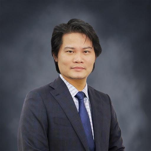 Ông Quách Mạnh Hào - giảng viên ngành tài chính - ngân hàng tại Đại học Lincoln, Anh.