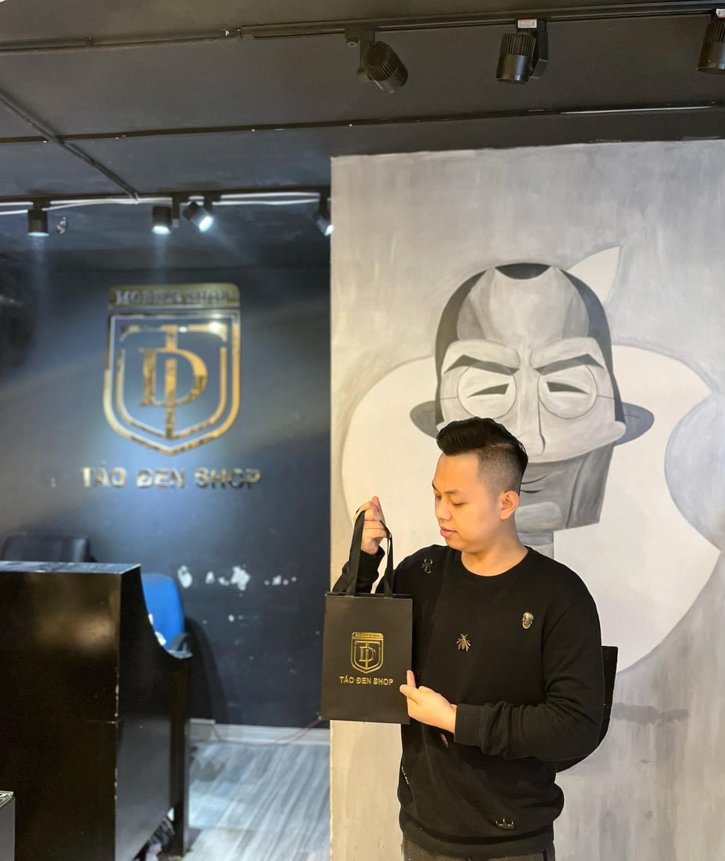 CEO Hoàng Anh Đức - chủ chuỗi cửa hàng Táo Đen shop.