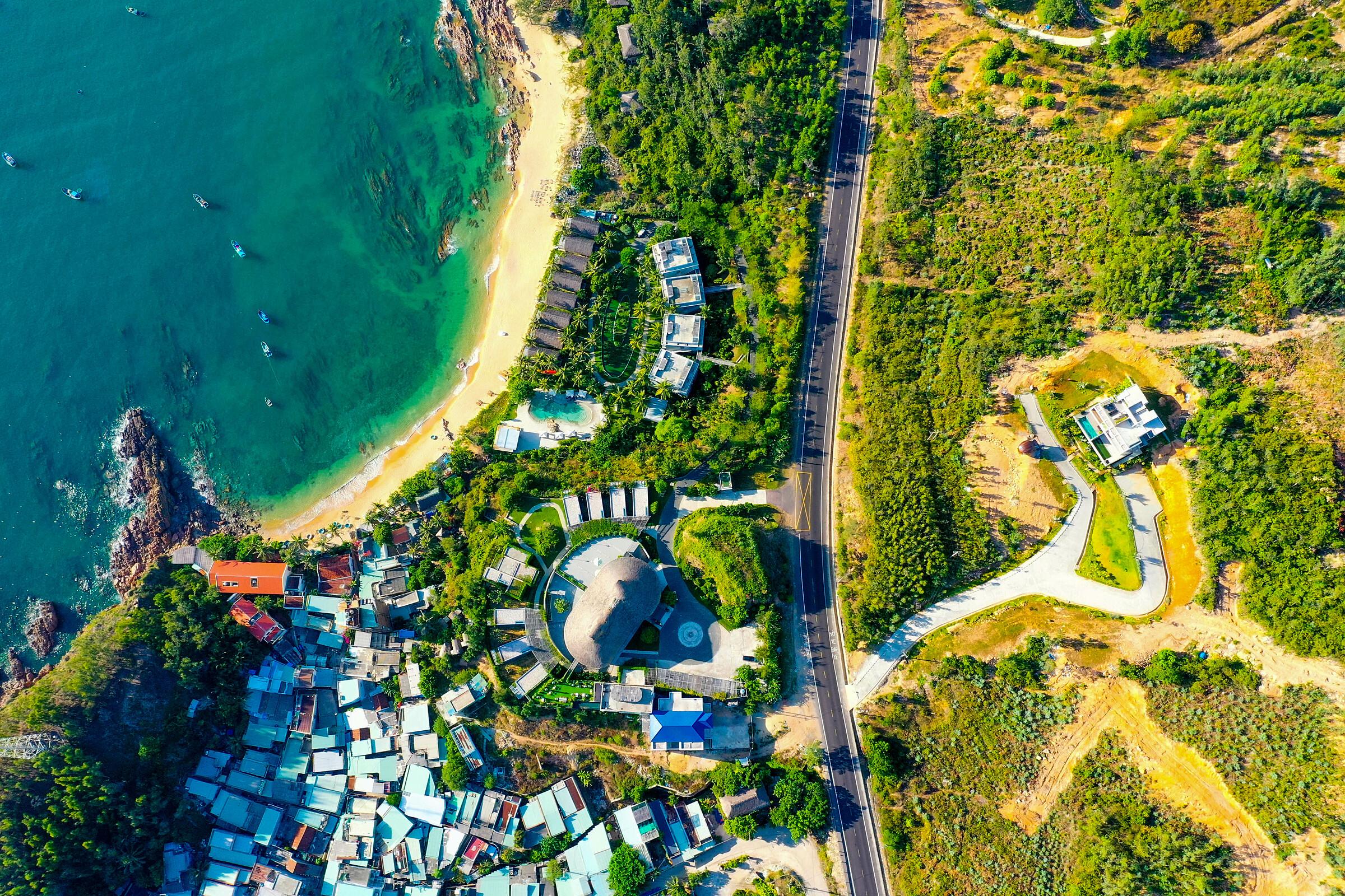 Hạ tầng đang được đầu tư hoàn thiện tại Quy Nhơn để đón đầu làn sóng của biệt thự nghỉ dưỡng. Ảnh: BCG Land.
