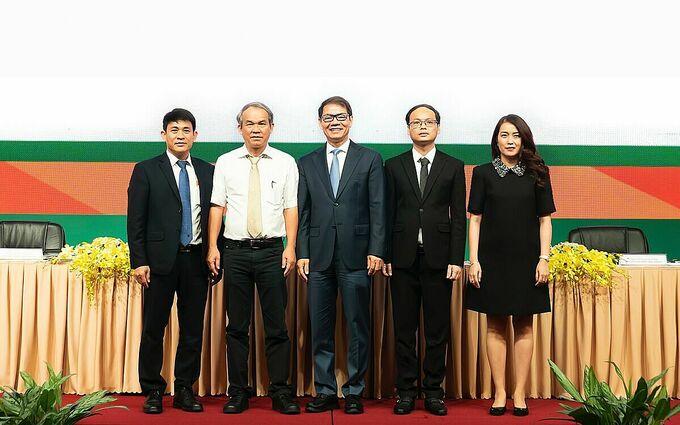 Ông Trần Bá Dương được bầu vào vị trí Chủ tịch Hội đồng quản trị của HAGL Agrico tại phiên họp đầu năm nay. Ảnh: HL.