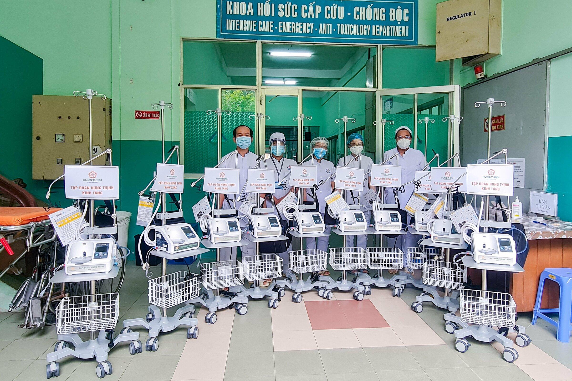 Các máy thở oxy dòng cao không xâm lấn giúp hỗ trợ hiệu quả trong công tác điều trị Covid-19. Ảnh: Tập đoàn Hưng Thịnh.