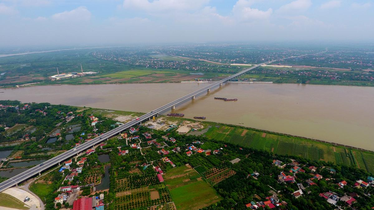 Cây cầu 2.800 tỷ đồng nối 2 tỉnh Hưng Yên và Hà Nam. Ảnh: Giang Huy.