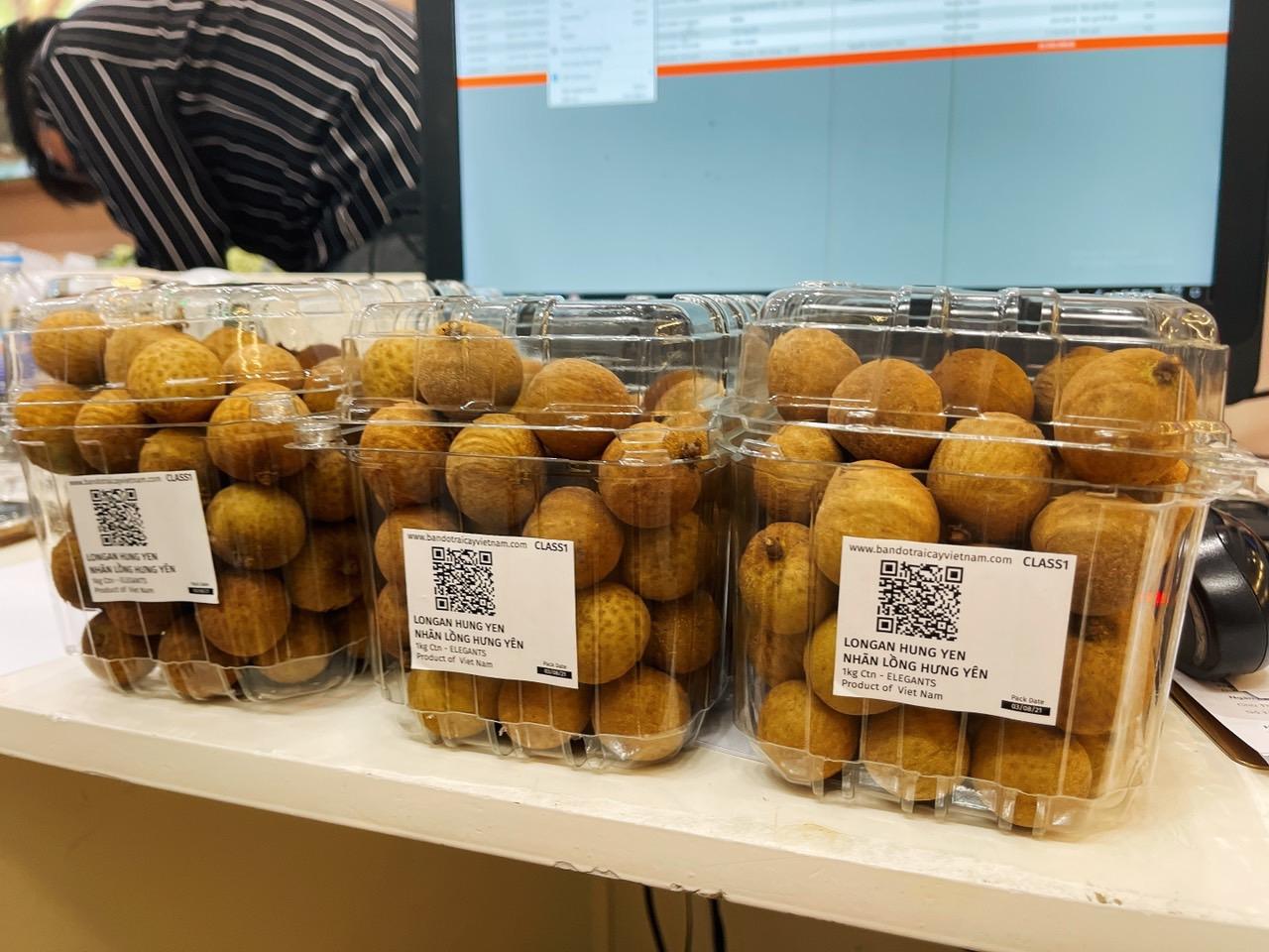 Nhãn lồng Hưng Yên được bán ở Singapore hôm 3/8. Ảnh: Hương Quê Việt.