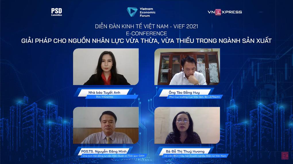 3 chuyên gia tham dự tọa đàm trực tuyến Giải pháp cho nguồn nhân lực vừa thừa, vừa thiếu trong ngành sản xuất.