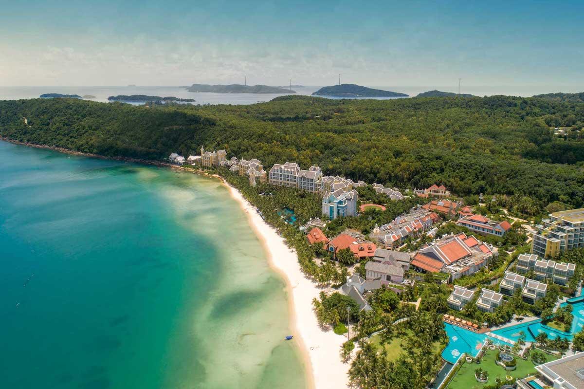 Khu vực Nam Phú Quốc hội tụ nhiều thương hiệu khách sạn, nghỉ dưỡng hàng đầu thế giới. Ảnh: Sun Group