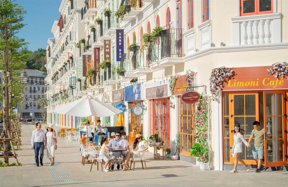 Thị trường bất động sản Nam Phú Quốc sôi động ngay cả khi đại dịch Covid-19 diễn biến phức tạp. Ảnh: Sun Group