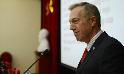 Ông Ted Osius tại một sự kiện khi còn là đại sứ Mỹ tại Việt Nam. Ảnh: Xavier Bourgois