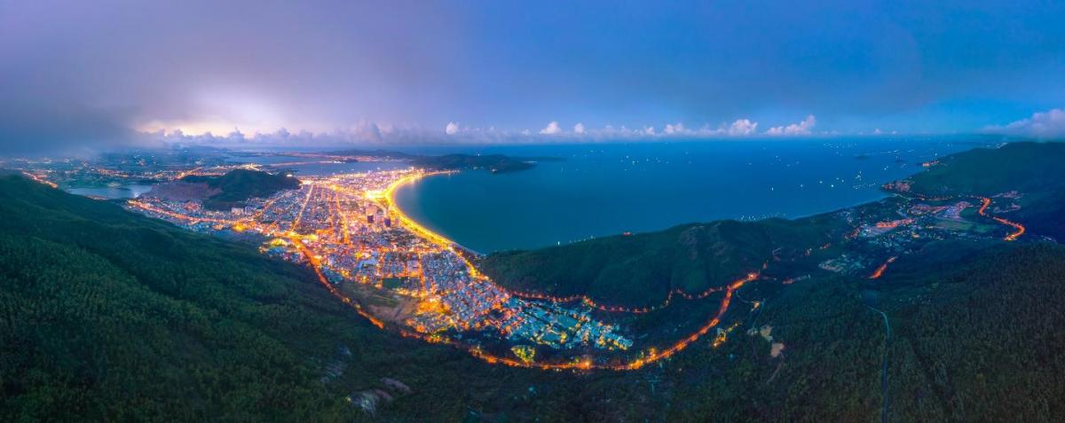 Biển Quy Nhơn có nhiều lợi thế phát triển du lịch và bất động sản nghỉ dưỡng. Ảnh: Nguyễn Tiến Trình