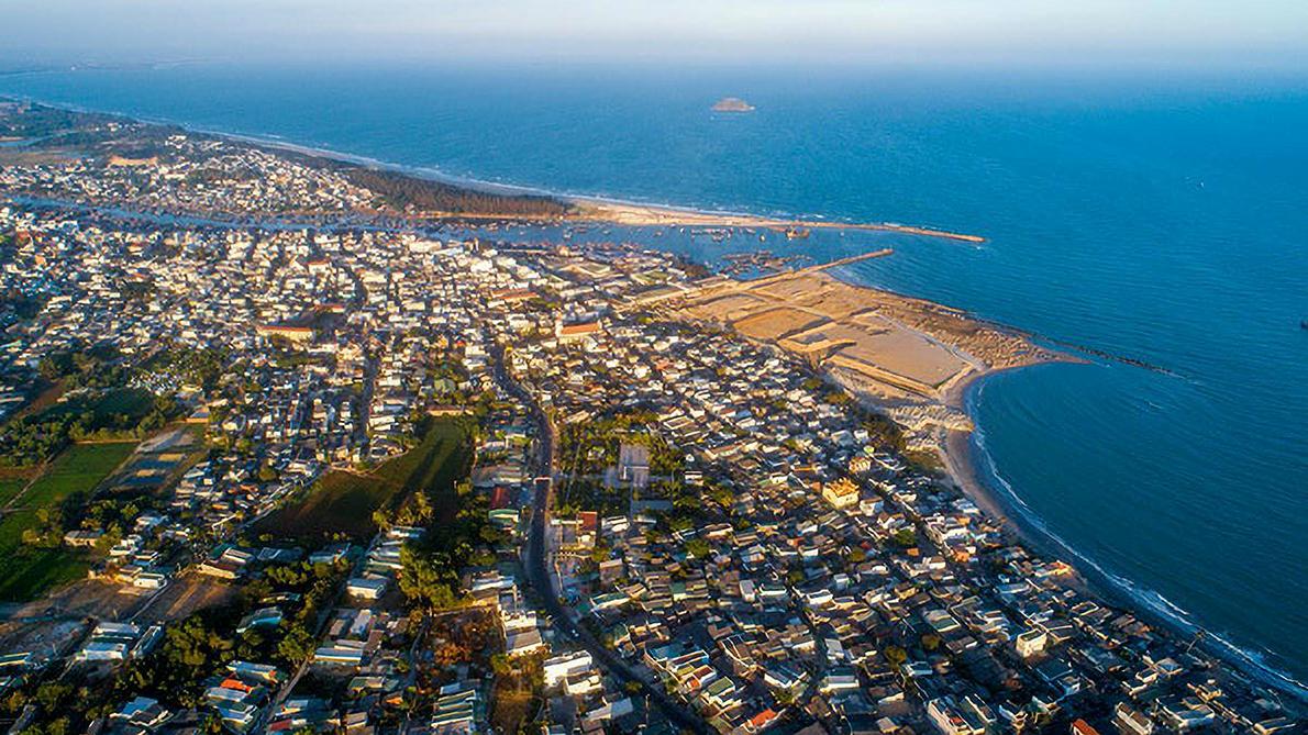 Một góc thị xã Lagi nhìn từ trên cao. Ảnh: Shutterstock