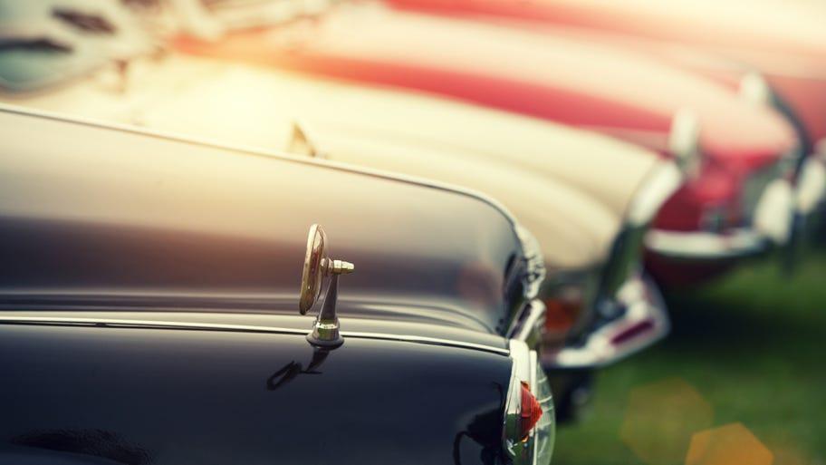 Bảo hiểm tai nạn và bảo hiểm toàn diện là hai loại bạn nên cân nhắc để mua cho xe cũ. Ảnh: Groupon