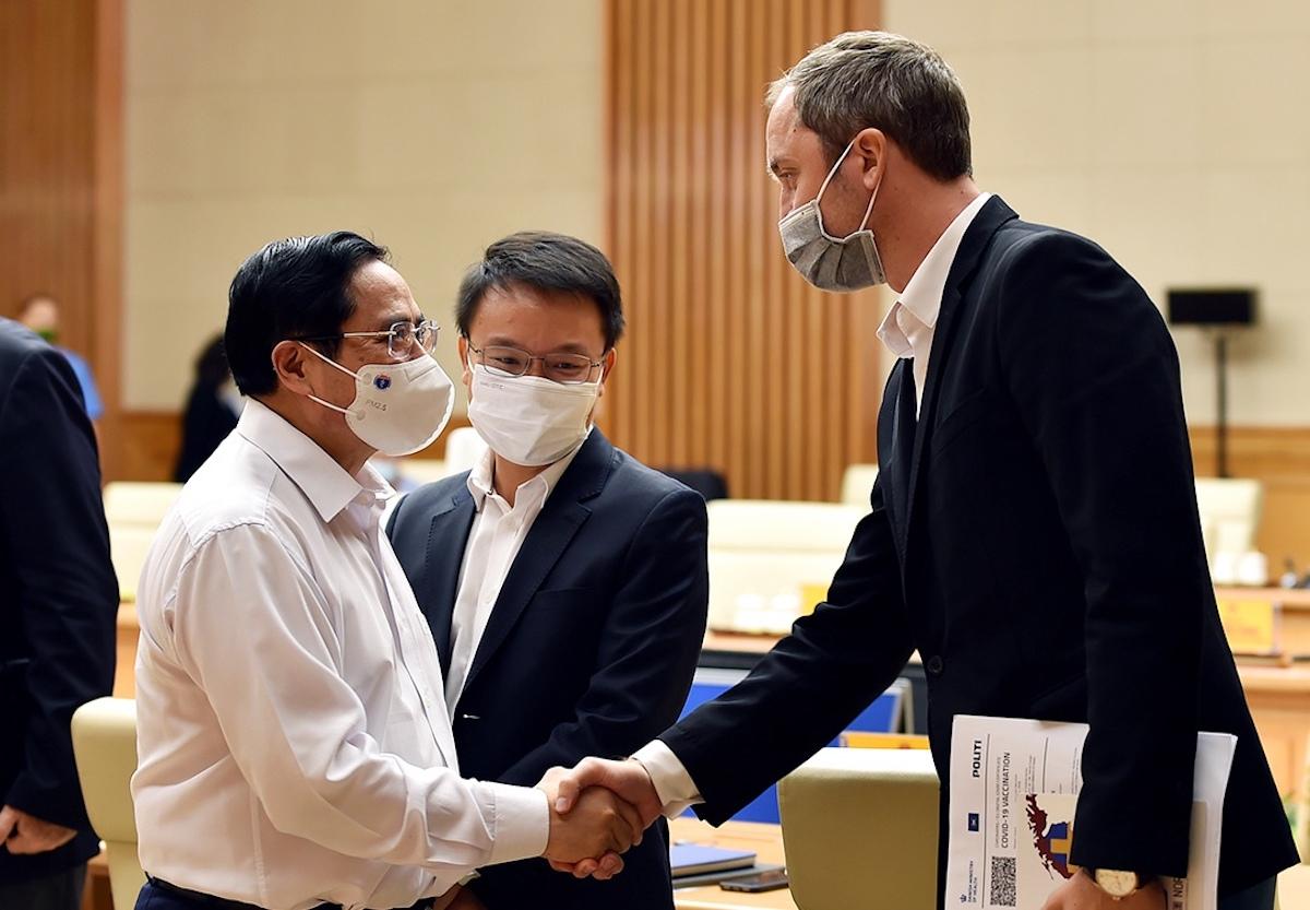 Thủ tướng Phạm Minh Chính và đại diện các doanh nghiệp châu Âu tại cuộc gặp chiều 9/9. Ảnh: VGP