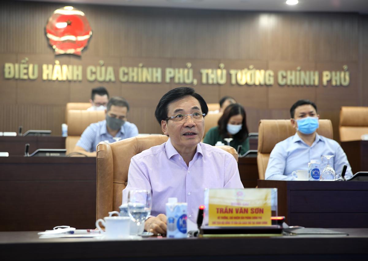 Ông Trần Văn Sơn - Bộ trưởng, Chủ nhiệm Văn phòng Chinh phủ chủ trì phiên họp toàn thể Hội đồng tư vấn cải cách thủ tục hành chính của Thủ tướng, ngày 10/9. Ảnh: VGP
