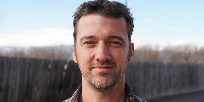 Pete Adeney nghỉ hưu ở tuổi 30 nhờ lối sống tối giản và tiết kiệm. Ảnh: Business Insiderư