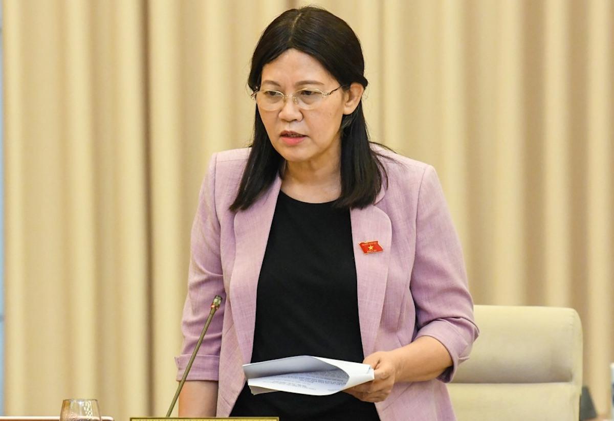 Bà Lê Thị Nga - Chủ nhiệm Uỷ ban Tư pháp của Quốc hội phát biểu tại cuộc họp sáng 14/9. Ảnh: Hoàng Phong