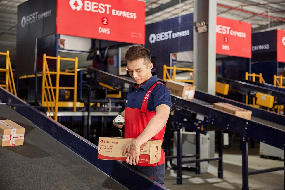 Đơn vị vận chuyển là cầu nối giữa nhà bán hàng và người tiêu dùng thời dịch. Ảnh: BEST Express