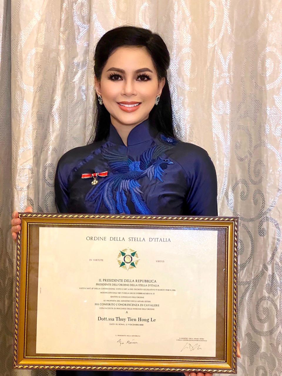 Bà Lê Hồng Thuỷ Tiên nhận