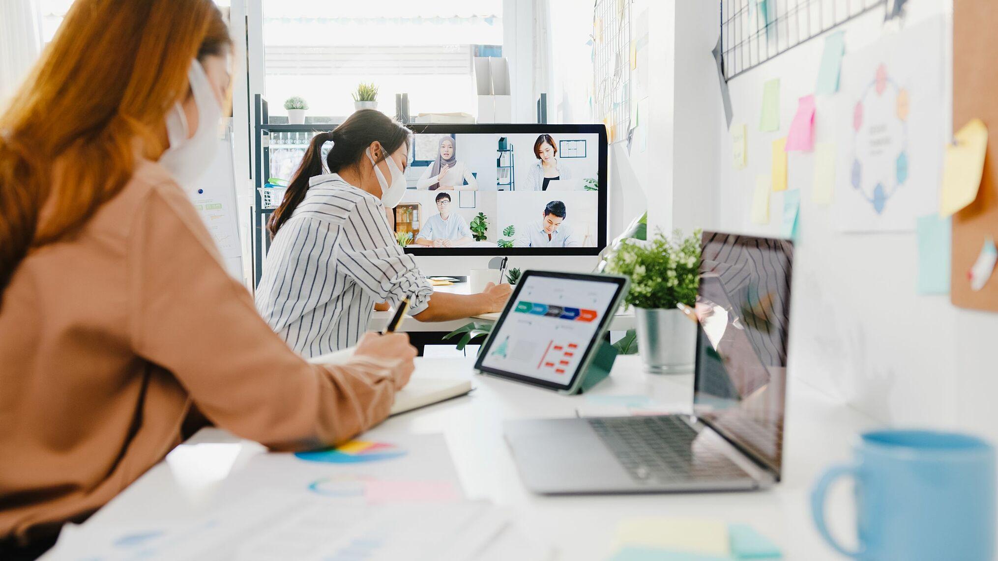 Tranh thủ mùa giãn cách để tự nâng cấp chính mình là chiến lược sáng suốt của người lao động để nhanh chóng theo cơn lốc dịch chuyển cấu trúc nhân sự mới. Nguồn: Shutterstock