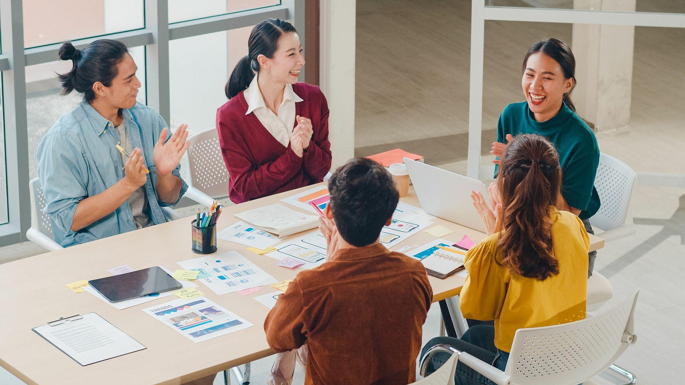 Làm việc nhóm gần như trở thành kỹ năng sống còn của người lao động trong tương lai. Nguồn: Shutterstock