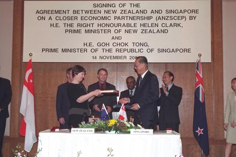 Lễ ký kết CEP của New Zealand và Singapore ngày 14/12/2000 đưa hiệp định hiệu lực vào 1/1/2021. Ảnh: Chính phủ New Zealand