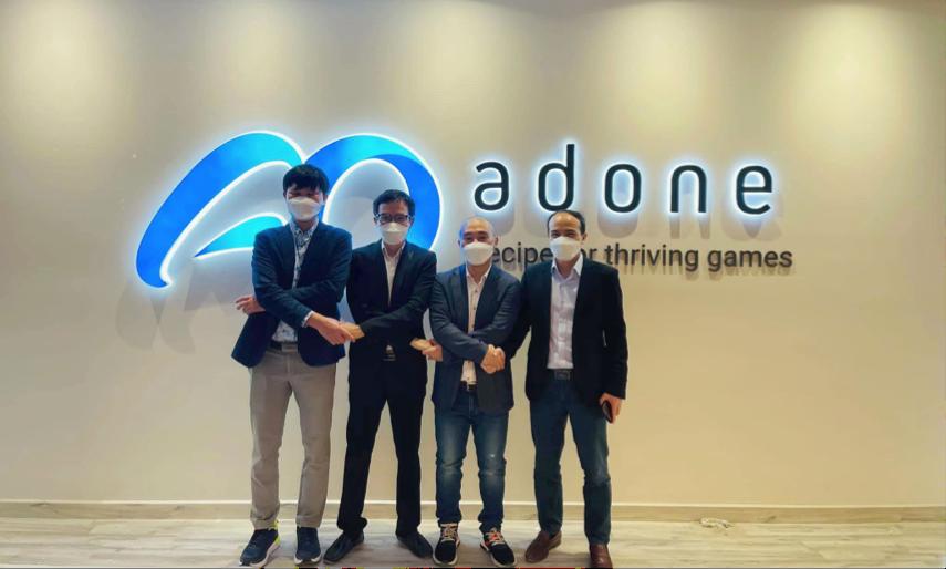 Bốn nhà đồng sáng lập Công ty Cổ phần AdOne.
