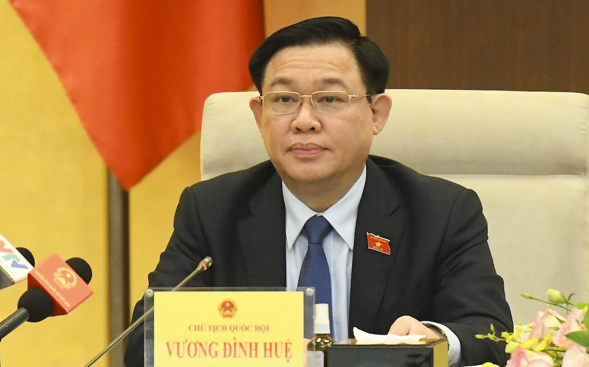 Chủ tịch Quốc hội Vương Đình Huệ chủ trì buổi tọa đàm. Ảnh: Hoàng Phong
