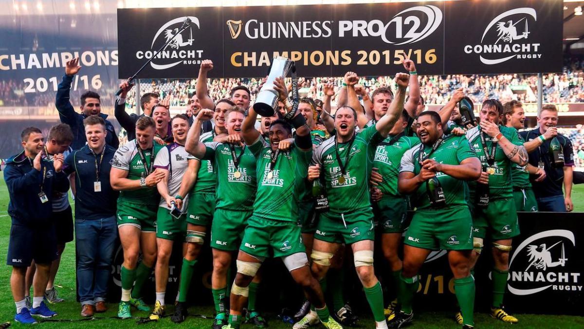 Các cầu thủ Connacht ăn mừng sau chiến thắng trận Chung kết Guinness PRO12. Ảnh: Ramsey Cardy/Sportsfile
