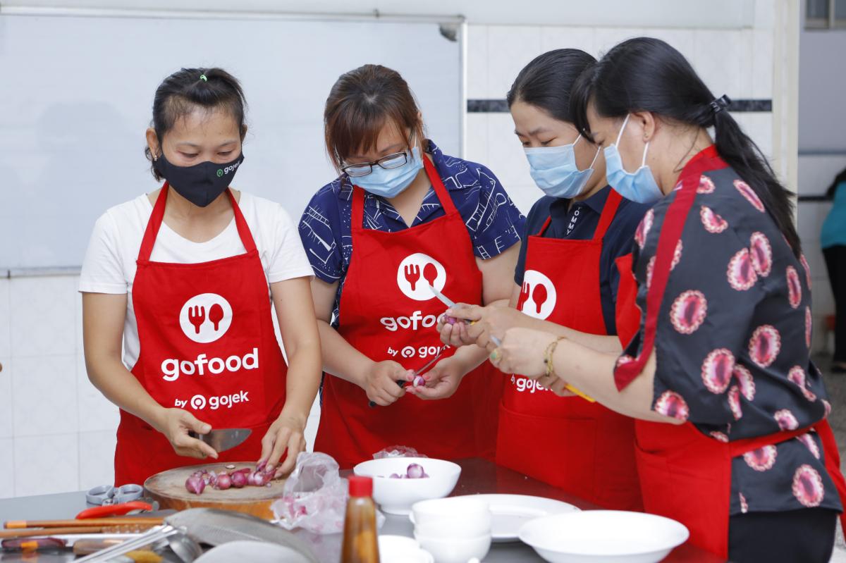 Gojek giúp chị em nội trợ mở gian hàng online