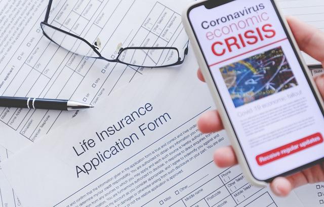Khách hàng đã mua bảo hiểm nhân thọ vẫn được đảm bảo quyền lợi khi mắc Covid-19. Ảnh: International Adviser.