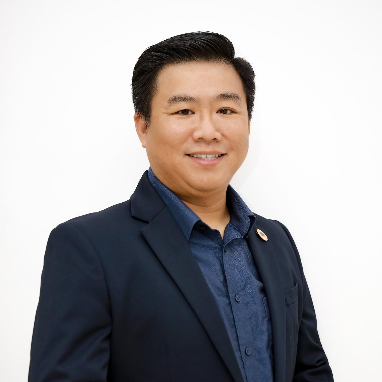 Phó giáo sư, tiến sĩ Nguyễn Khắc Quốc Bảo - Trưởng phòng Đào tạo, Viện trưởng Viện Công nghệ Tài chính, Đại học Kinh tế TP HCM .