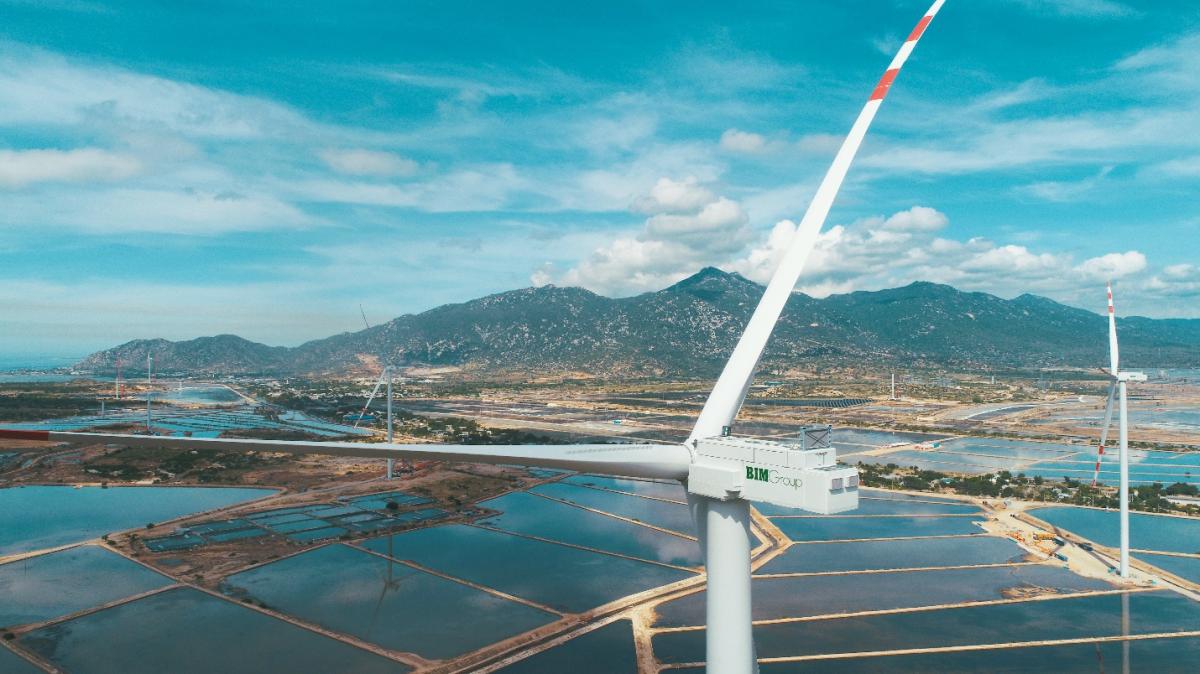 Nhà máy Điện gió BIM đi vào vận hành thương mại sẽ hoàn thiện Tổ hợp năng lượng tái tạo kết hợp sản xuất muối công nghiệp lớn nhất Việt Nam