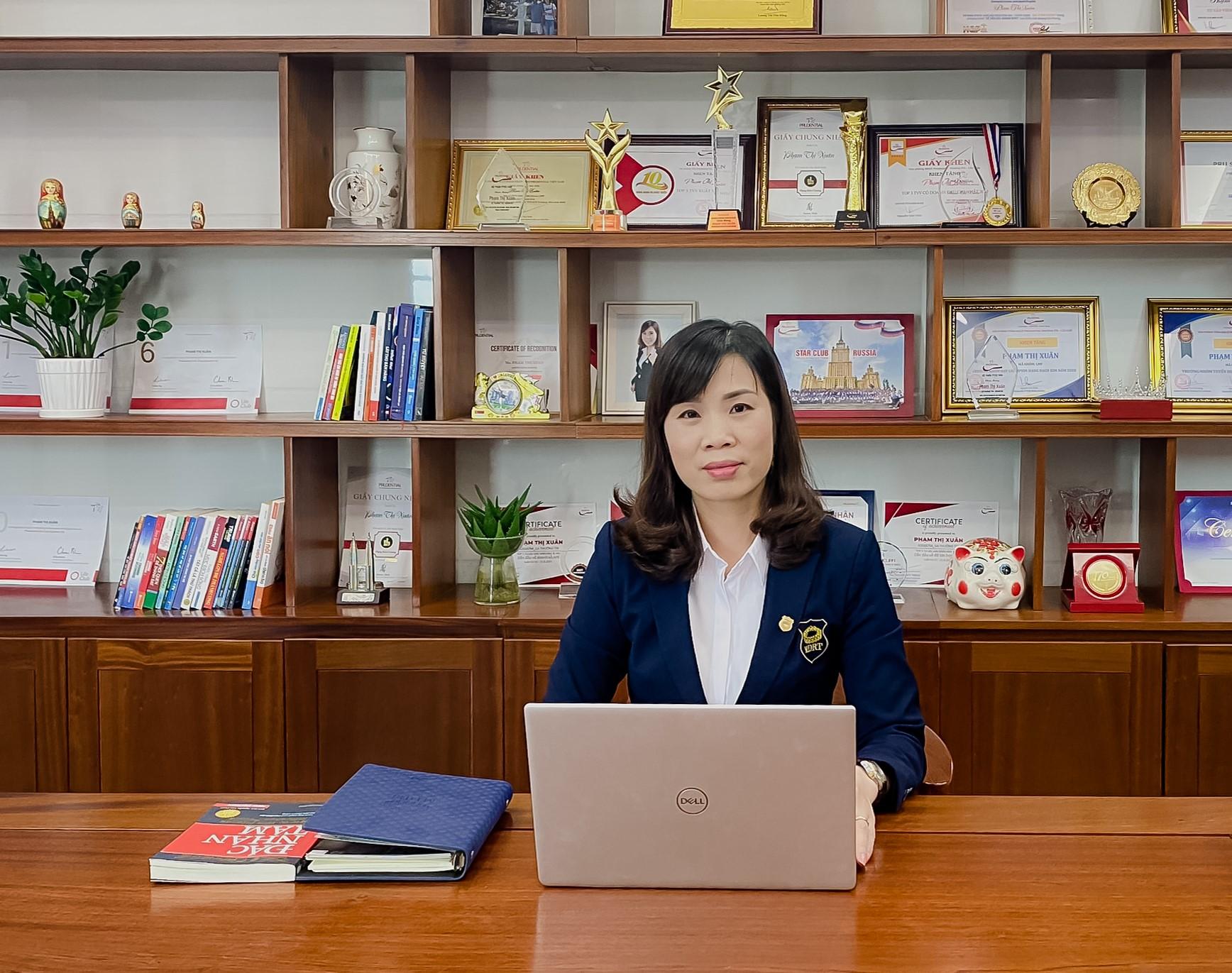 Chị Phạm Thị Xuân luôn vững tin vào việc mang các giải pháp bảo vệ đến với nhiều người, ngay từ những ngày đầu tham gia lĩnh vực bảo hiểm.
