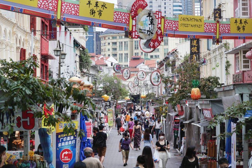 Một con phố du lịch tại Singapore. Ảnh: Kelvin CHNG