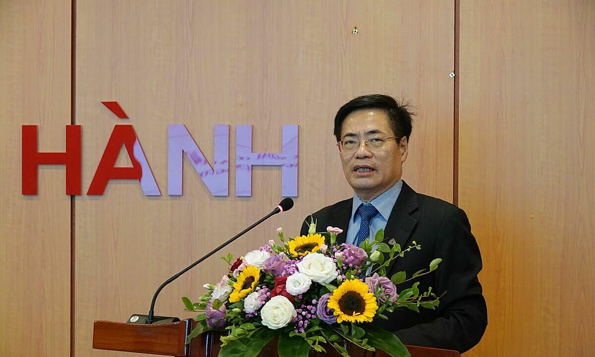 Ông Trương Hùng Long, Cục trưởng Quản lý nợ và Tài chính đối ngoại, Bộ Tài chính phát biểu tại hội nghị 7/10. Ảnh: MOF