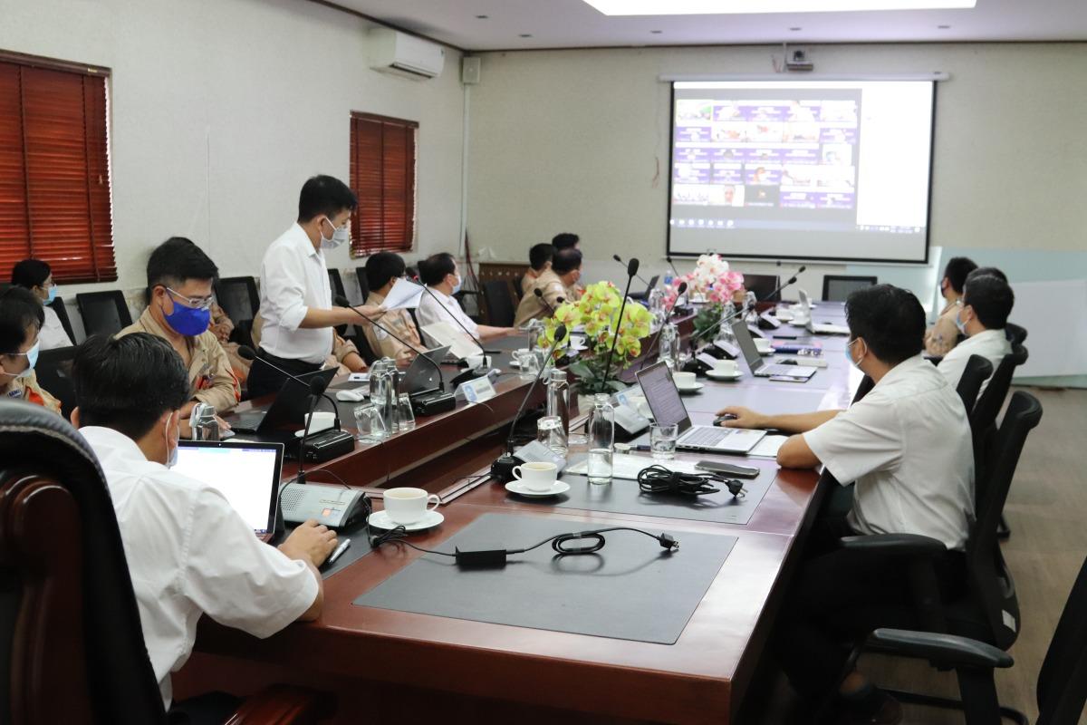 Hội nghị diễn ra với 7 đầu cầu tập trung, tuân thủ nghiêm ngặt quy tắc 5K tại nhà máy và văn phòng với sự hiện diện của 145 đại biểu Nhà máy Nhiệt điện Vĩnh Tân 4. Ảnh: Nguồn