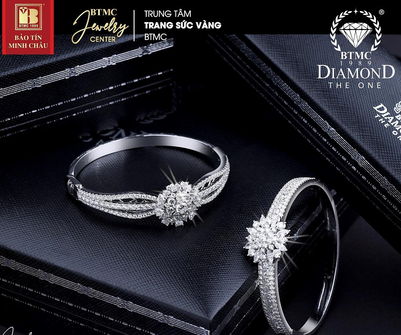 Kim cương là món trang sức được các nữ doanh nhân cũng như đa số phái đẹp yêu thích.