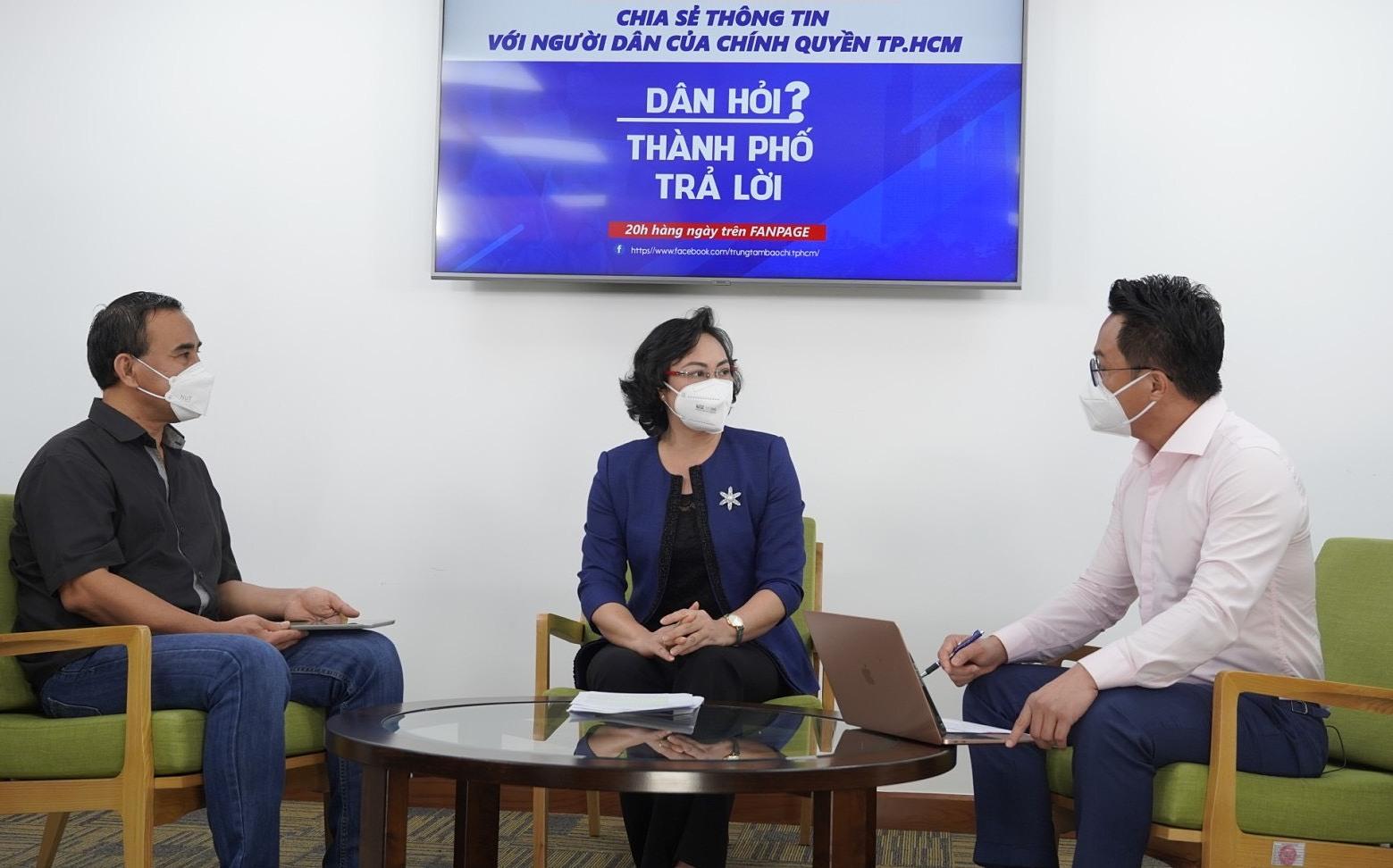 Buổi livestream Dân hỏi - Thành phố trả lời tối 8/10. Ảnh: Trung tâm báo chí TP HCM