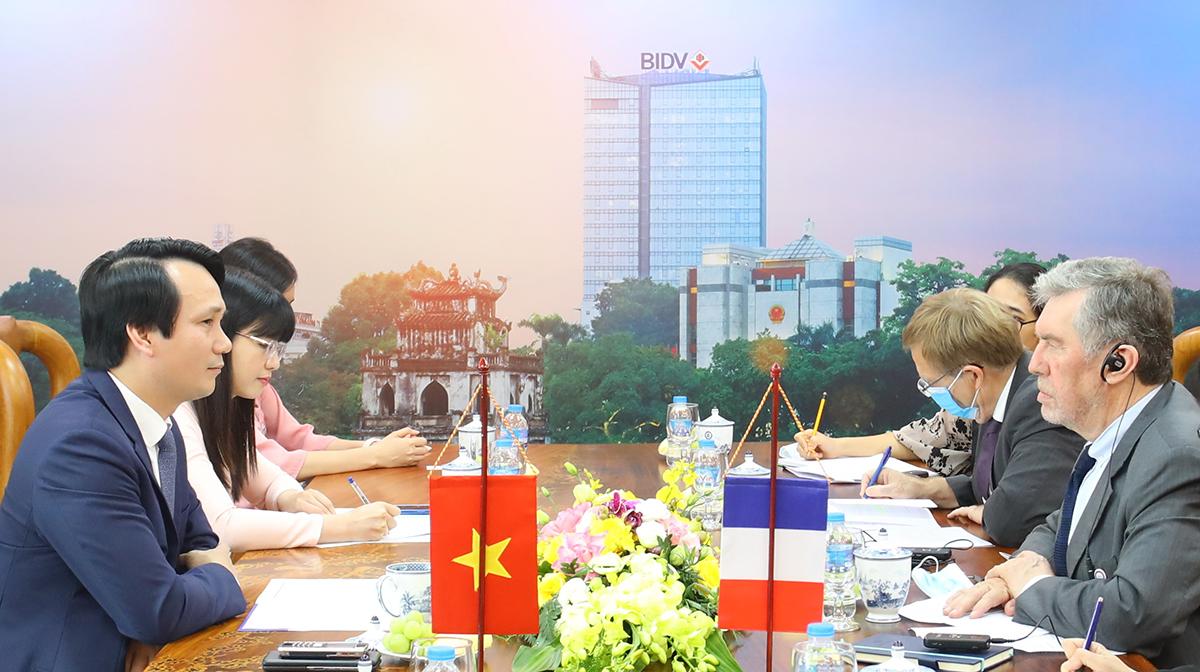 Buổi làm việc giữa BIDV và AFD Việt Nam hôm 7/10. Ảnh: