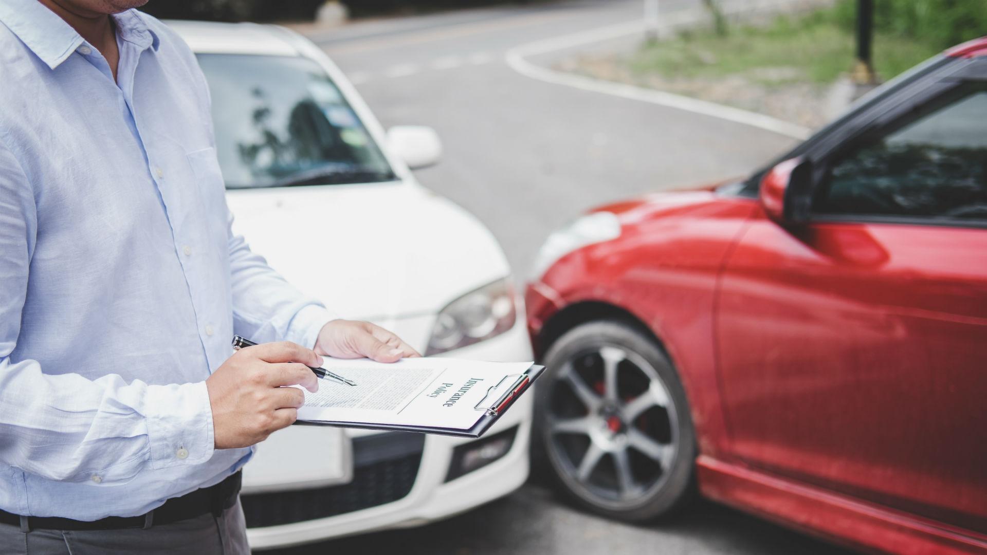Ôtô bị tổn thất vật chất khi đang tham gia giao thông, chủ xe sẽ không được hưởng bồi thường bảo hiểm. Ảnh: Motoring Research.