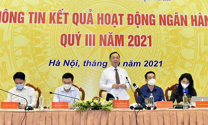 Phó thống đốc Đào Minh Tú chủ trì cuộc họp chiều 12/10. Ảnh: SBV