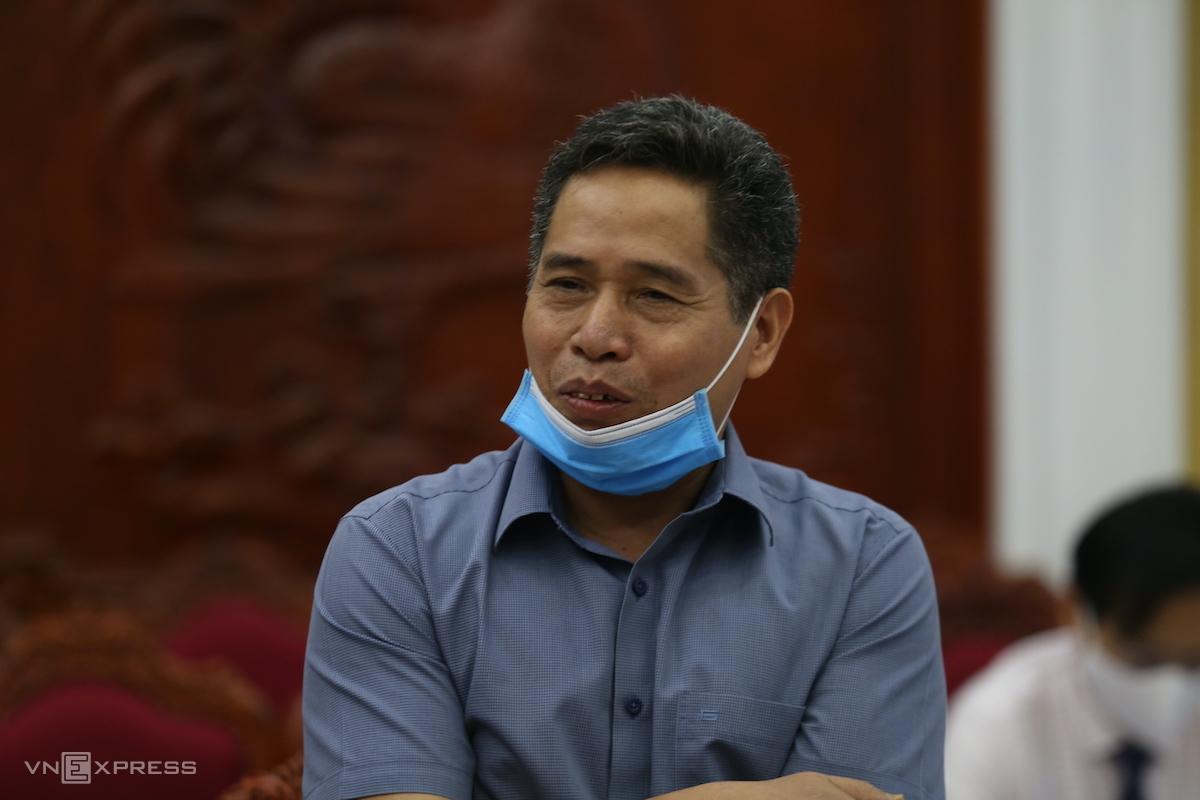 Ông Nguyễn Như Đôn trả lời doanh nghiệp. Ảnh: Gia Chính