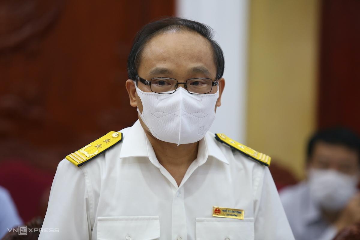 Ông Ngô Xuân Tòng trả lời doanh nghiệp. Ảnh: Gia Chính