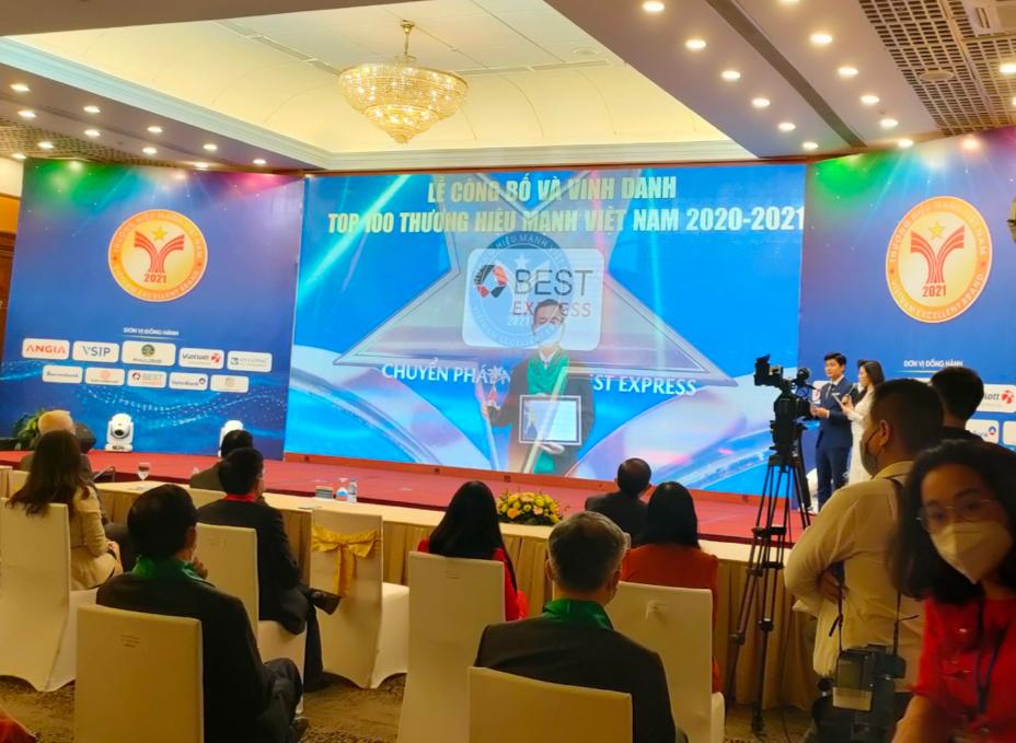 BEST Express được vinh danh Thương hiệu mạnh Việt Nam tại lễ trao giải chiều 12/10 tại Hà Nội. Do ảnh hưởng của dịch bệnh, doanh nghiệp được trao giải riêng tại TP HCM.