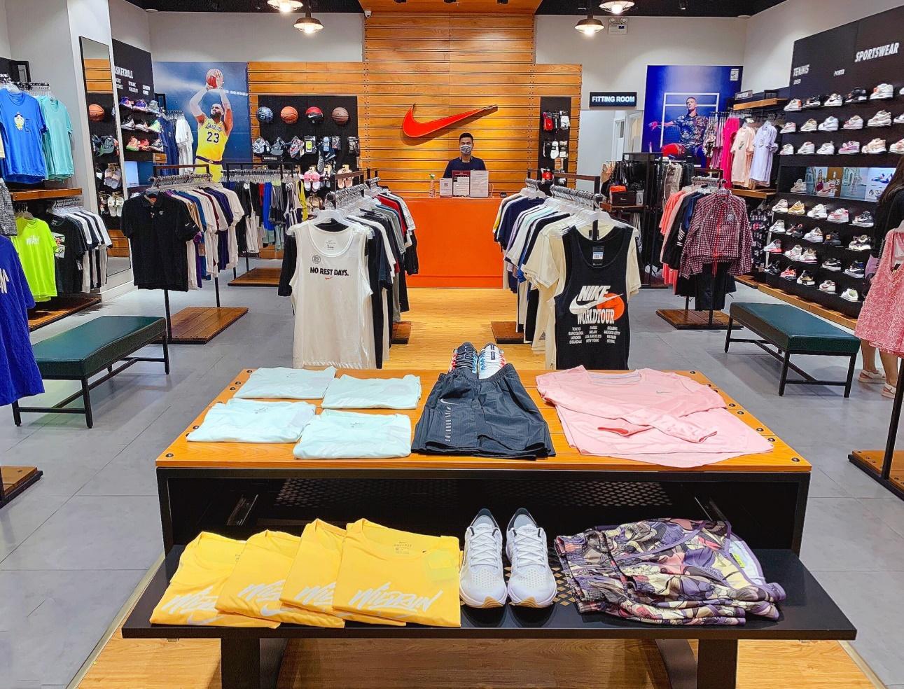 Bộ sưu tập mới nhất của Nike đang giảm đến 50% trên toàn hệ thống.